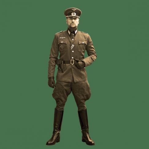 SM Master Andre alias Dominus.Berlin in historischer Armee Uniform mit Militaer Abzeichen und bereit fuer BDSM und Fetisch Spiel