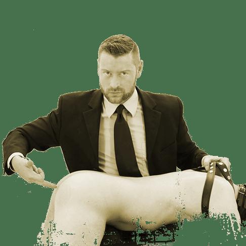 Anal Erotik und Fetisch Session mit Sklave nackt und mit Harness und SM Master DominusBerlin in Business Outfit