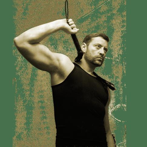 Peitschen Fetisch mit SM Master DominusBerlin in Achsel Hemd schwarz und mit Leder Peitsch