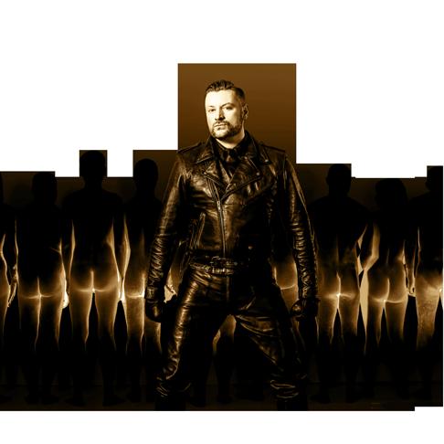 Herrscher Auftritt von SM Master Andre alias Dominus.Berlin in Leder Uniform und vor seinen Untertanen und Sklaven stehend